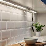 подсветка гарнитура на кухне интерьер