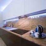 подсветка гарнитура на кухне оформление идеи