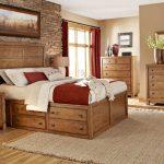 мебель из дерева кровать в спальне