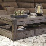 мебель из дерева серый стол