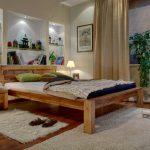 мебель из дерева кровать низкая
