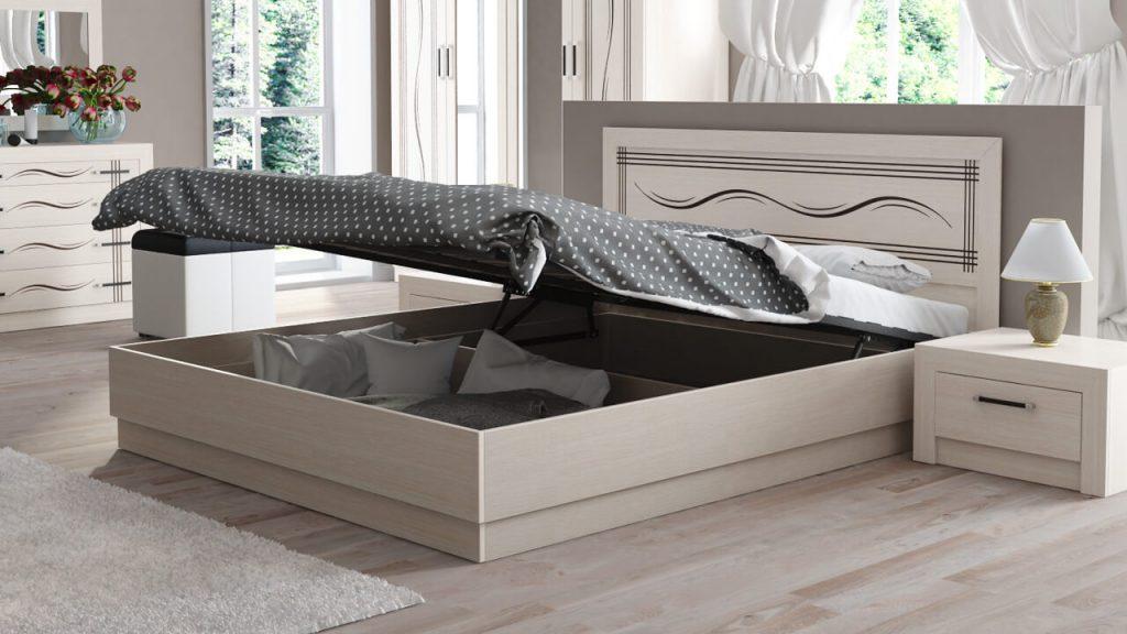 место для большой кровати