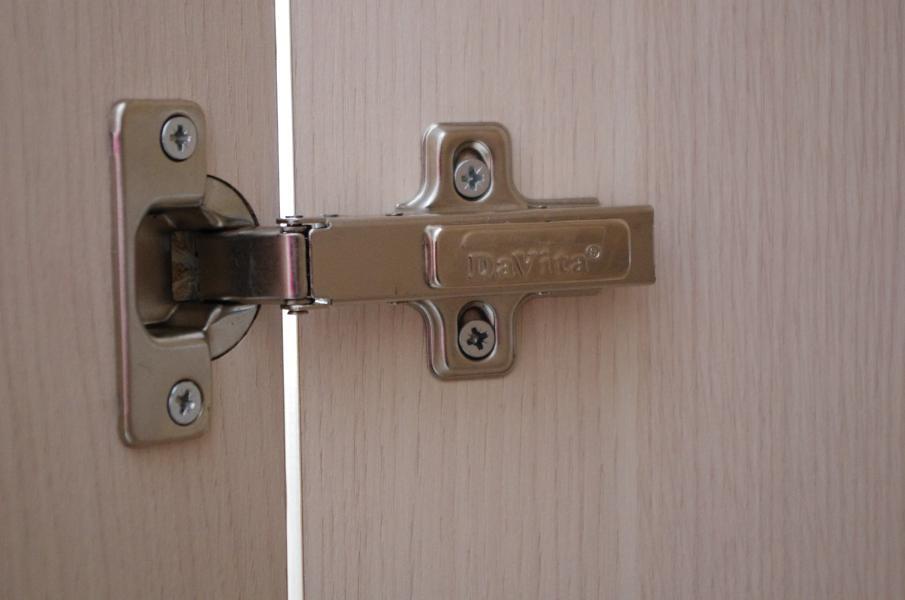 навешивание дверцы