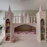 детская двухъярусная кровать-замок