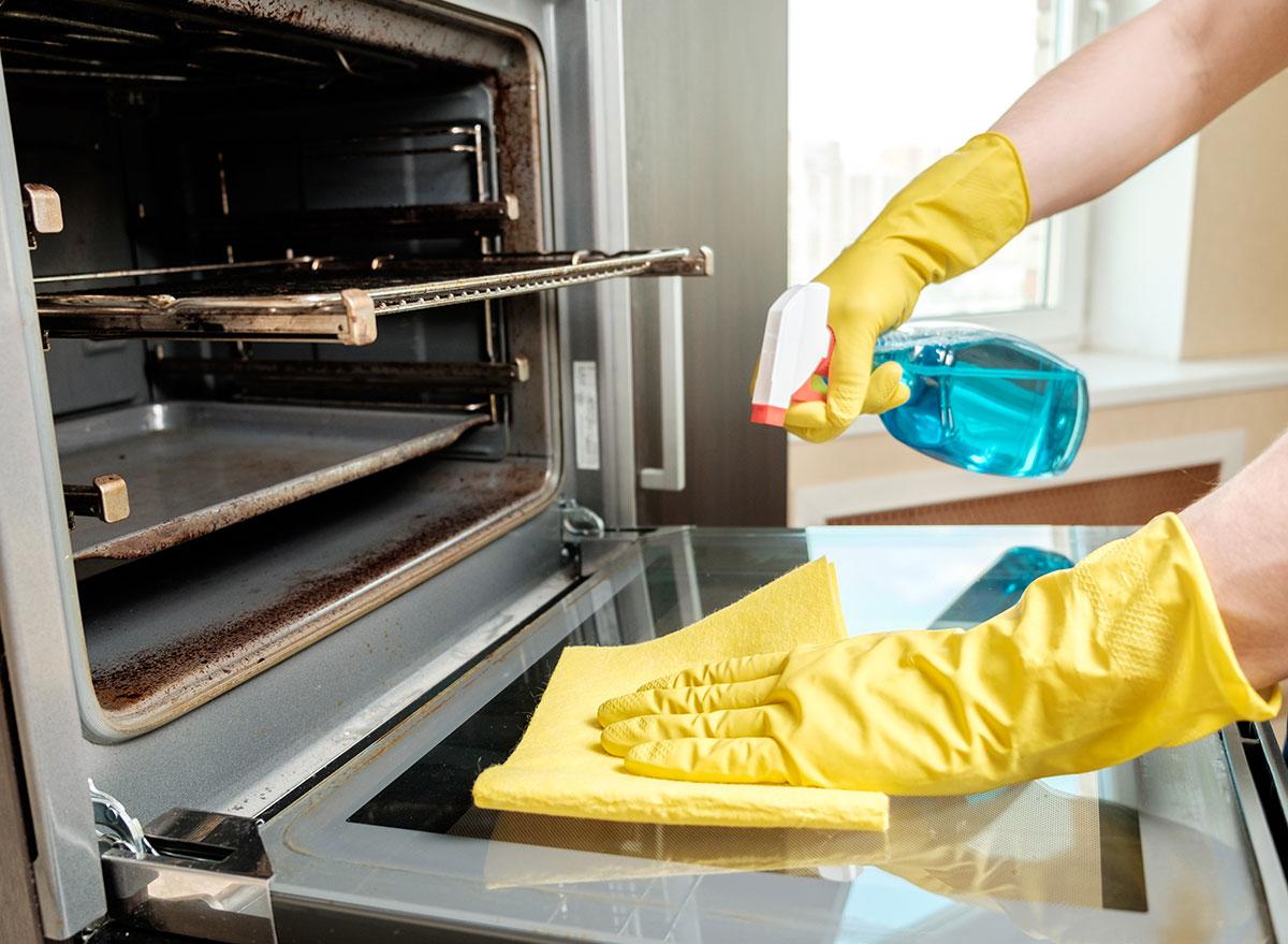 очистка духовки от жира