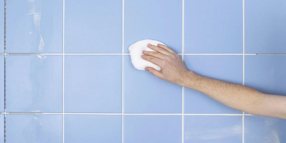 очистка плитки в ванной