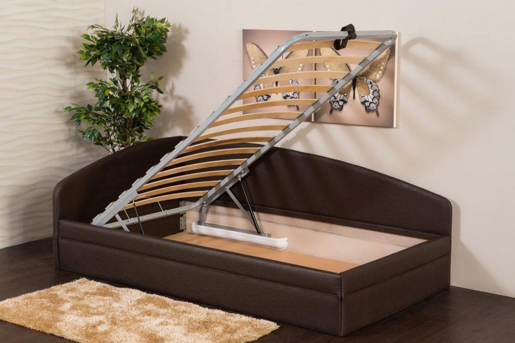 место для односпальной кровати