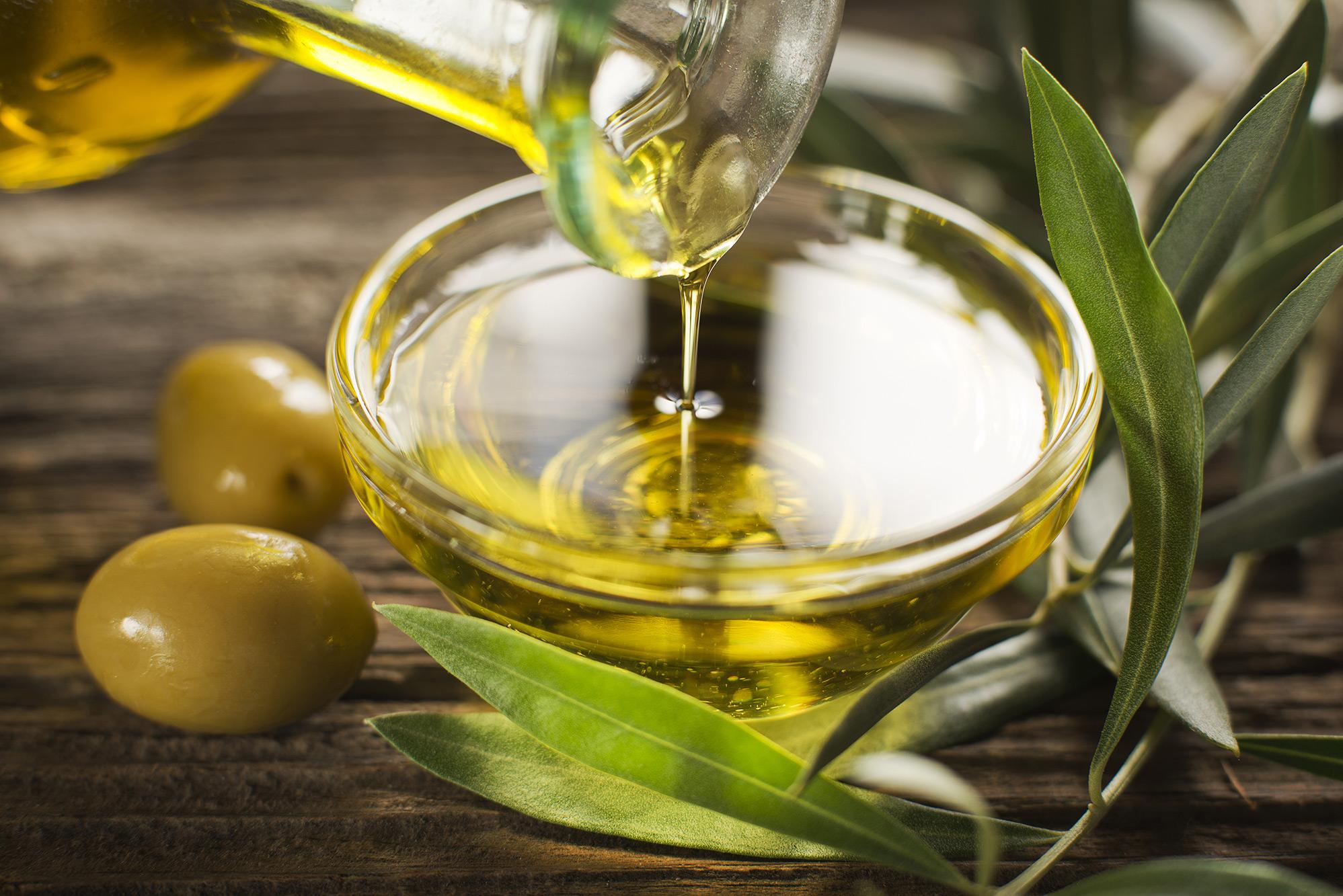 оливковое масло для очистки лака