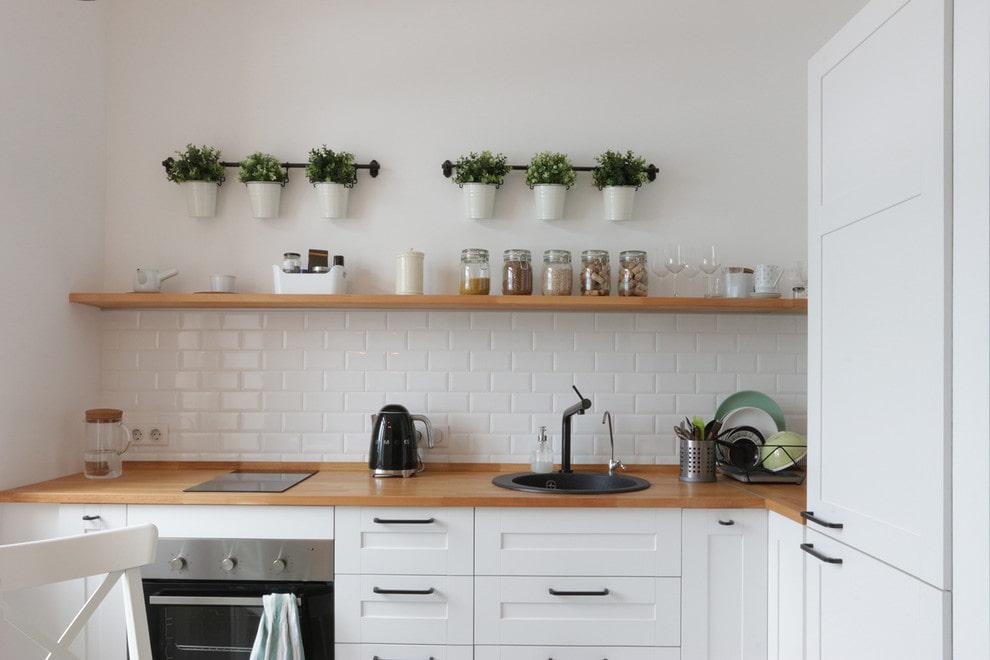 полки для кухни из дерева