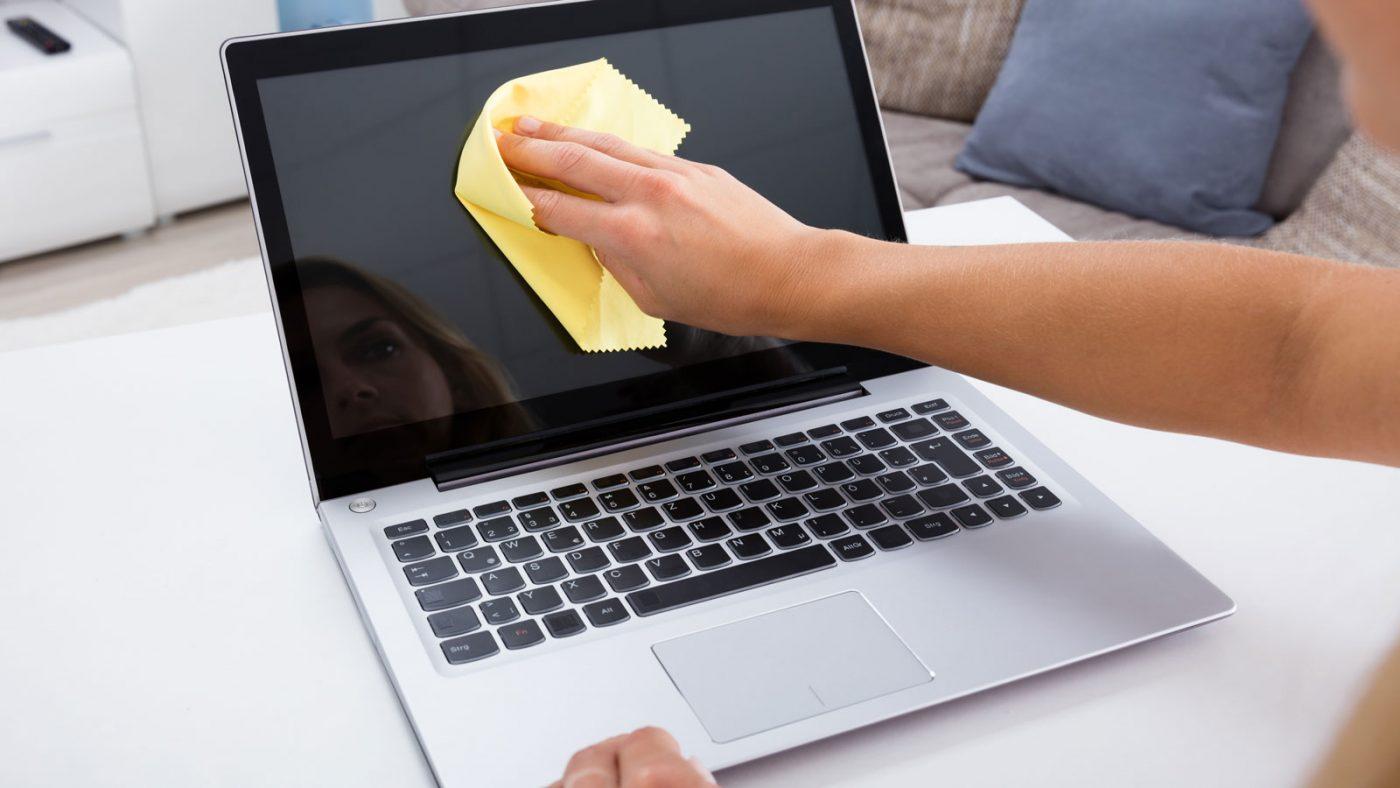 протирание ноутбука