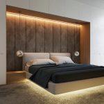 кровать с серой панелью