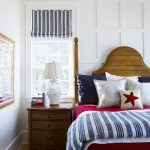 кровать полосатая
