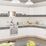 кухонная мебель серо-белая