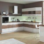 кухонная мебель коричнево-белая