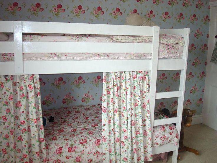 двухъярусная кровать со шторкой