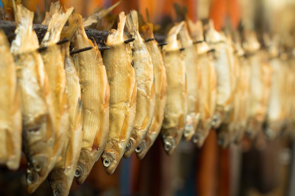 рыба вяленая копченая