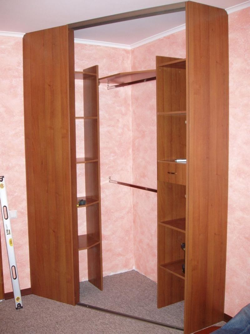 удобный шкаф из фанеры