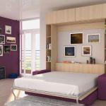шкаф-кровать в широкой комнате