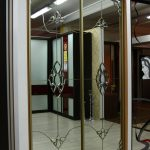 шкаф купе с фацетным зеркалом