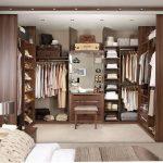 шкаф-купе встроенный с одеждой
