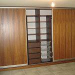 двери шкафа из дерева