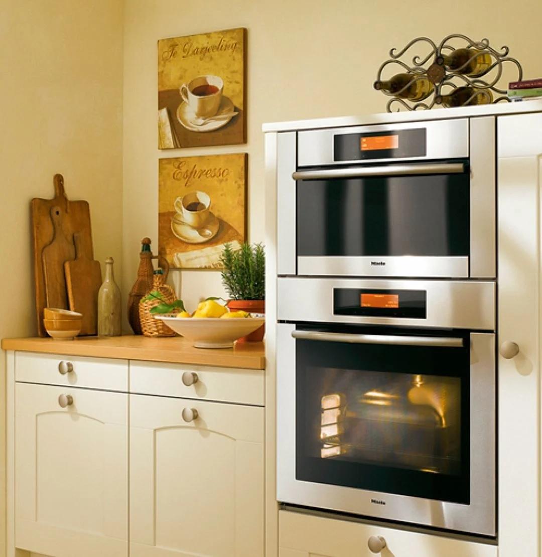 разное расположение духовых шкафов на кухне фото сделать
