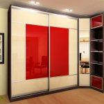 шкаф в угол красный