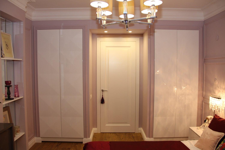 сфинкс шкаф вокруг дверного проема фото открутив колпачок вода