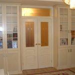 шкаф вокруг двери оформление