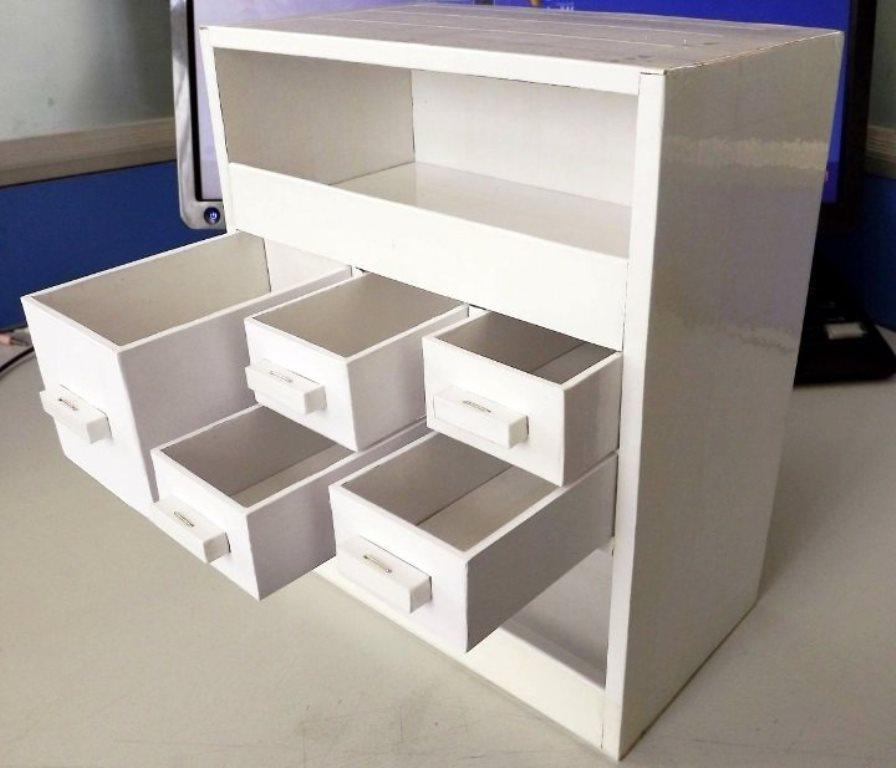 шкафчик из коробок с ящиками