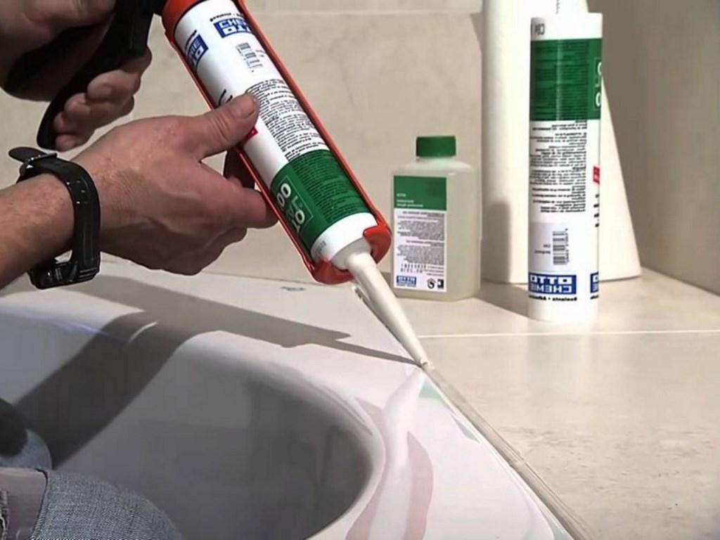 силиконовый герметик в ванной