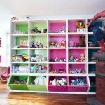 стеллаж для игрушек в детскую фото декора