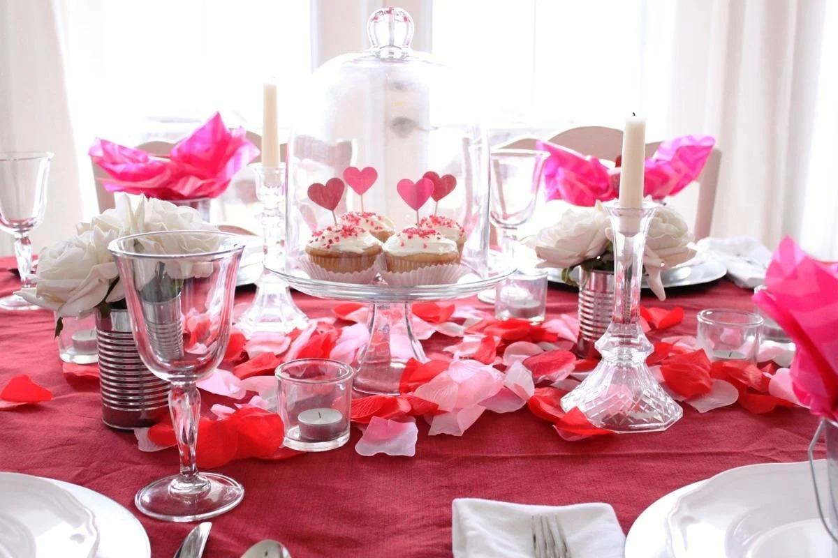 стол на день влюбленных