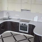 плита в столешнице в кухне