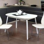 кухонный стол белый с чайником