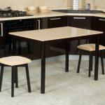 кухонный стол большой
