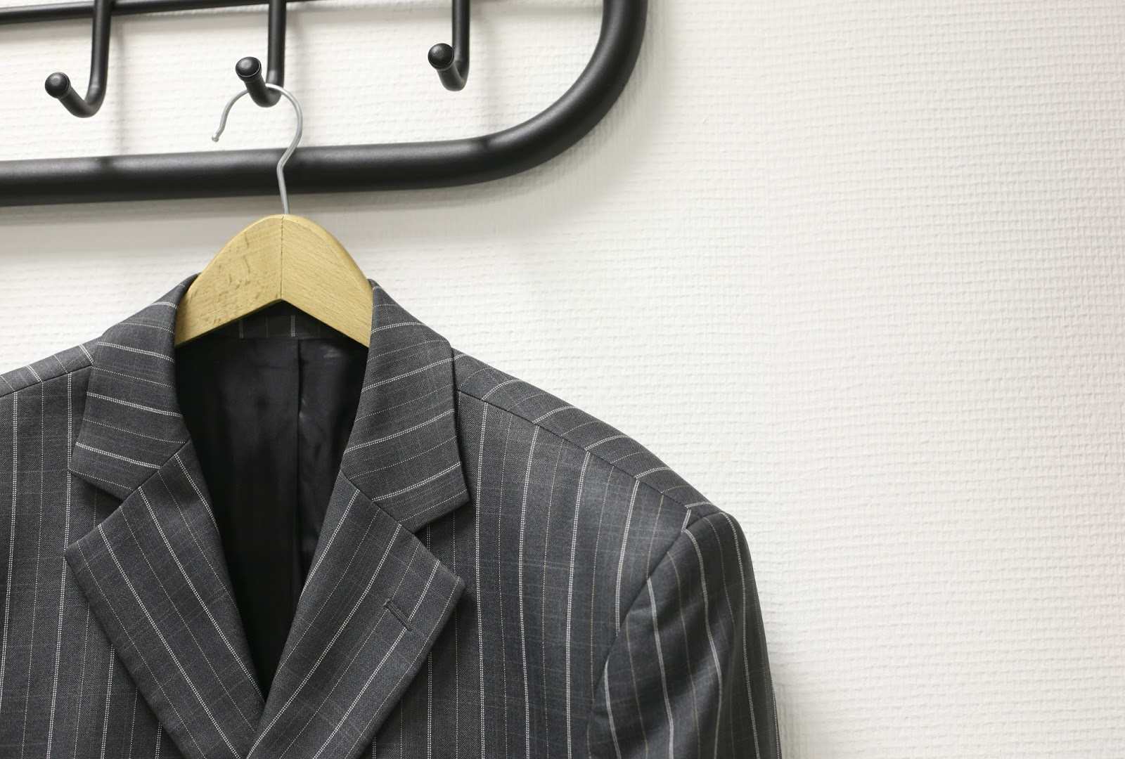 пиджак на тремпеле