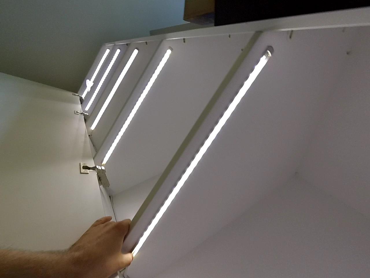 светодиодная подсветка шкафа