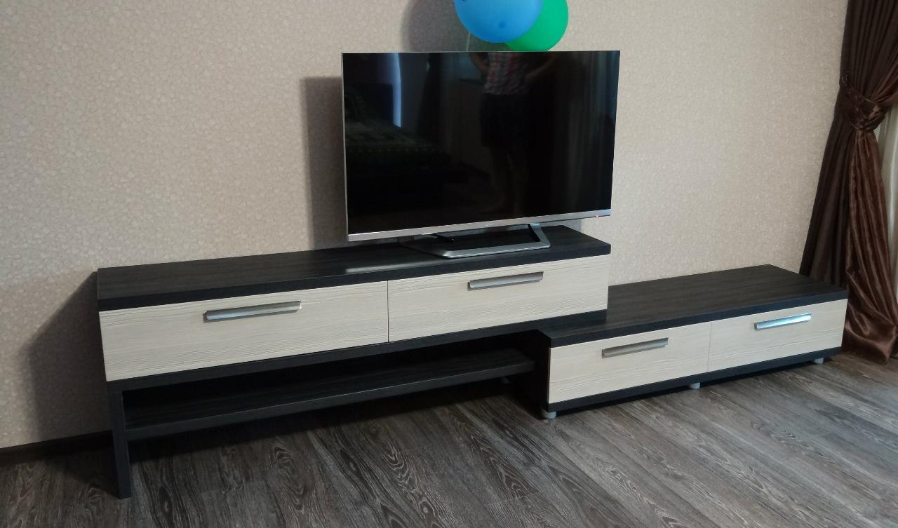 варианта размещения телевизора