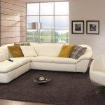 диван угловой с большим ковром