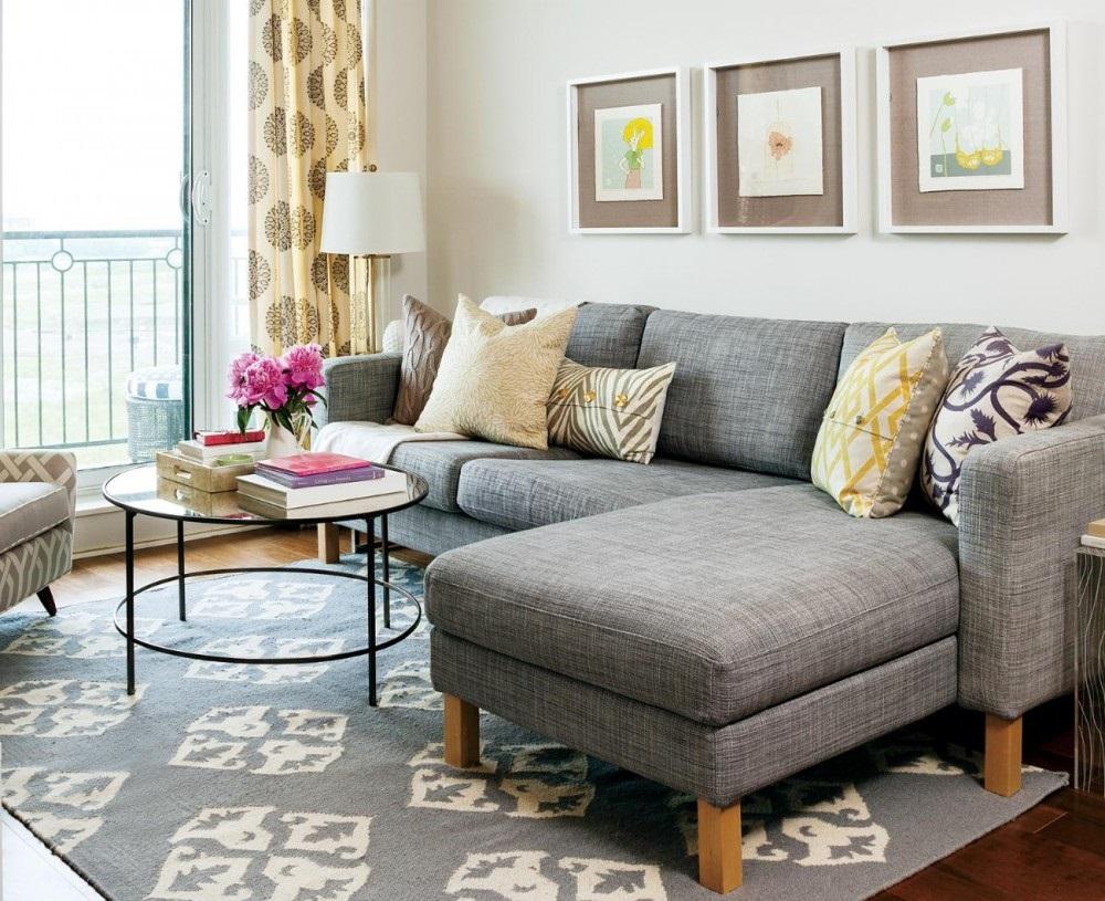 угловой диван в маленькой комнате