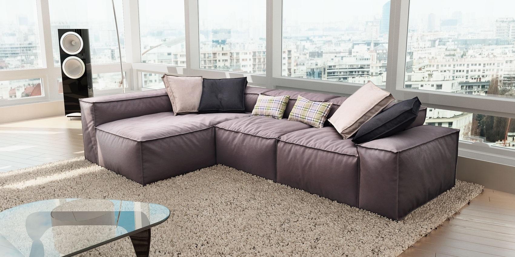 диван в пастельной комнате