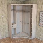 трапециевидный шкаф в прихожей