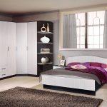 угловой шкаф с широкой кроватью