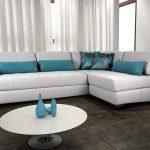 угловой диван яркий