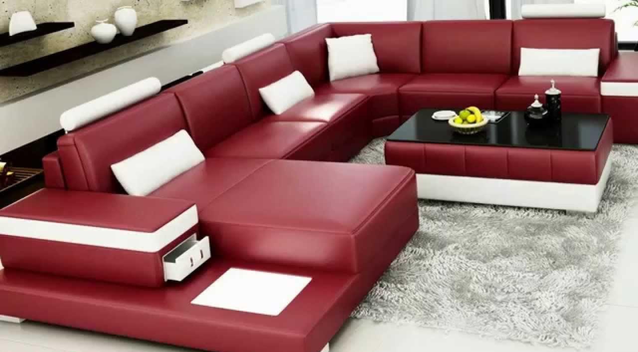 угловой диван в центре