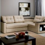 угловой диван с подставкой