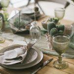 украшение стола к празднику фото интерьера