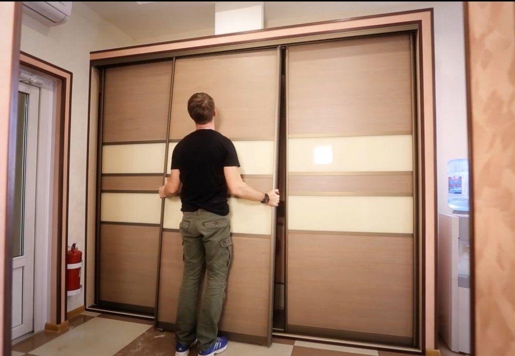 установка дверей шкафа купе