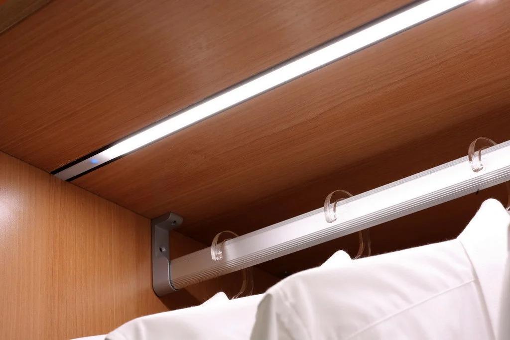 врезной свет в шкафу